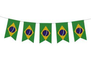Bandeirinhas do Brasil ilustram post sobre Como arrumar a casa para receber os amigos na Copa - Morar Construtora (2)